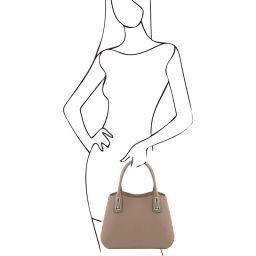 Flora Handtasche aus Leder Dunkel Taupe TL141694